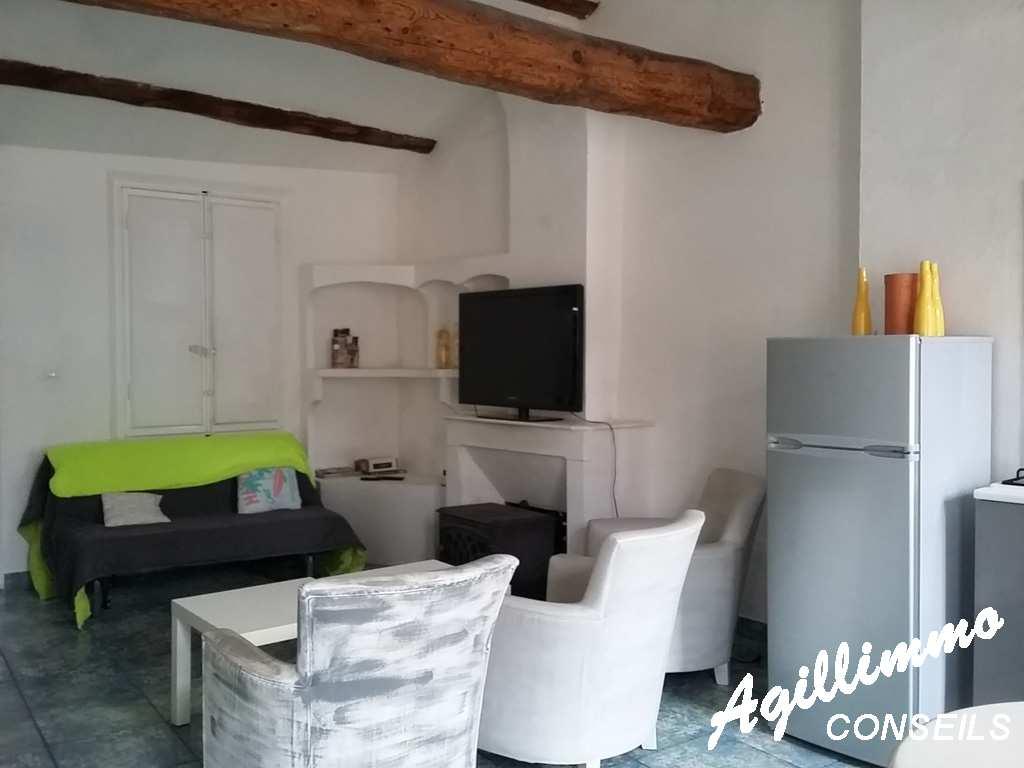 Agréable 3 piéces dans maison de village 77 m2 utilisables - FREJUS