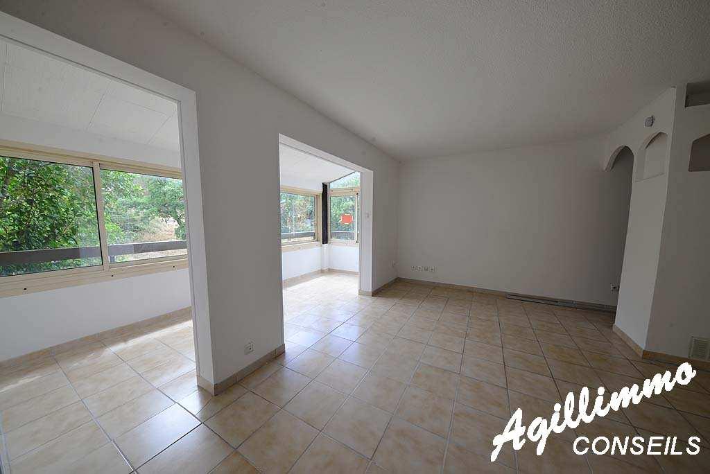 Appartement F1 - FREJUS